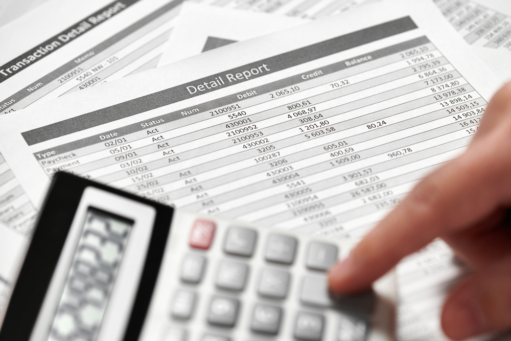 Detail financial report with calculator